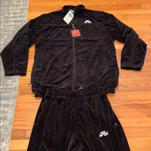 NWT black velour NIKE Air tracksuit Medium